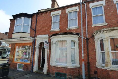 3 bedroom terraced house to rent - Ashburnham Road, Northampton