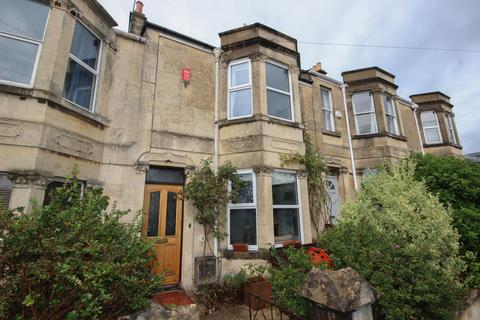 4 bedroom terraced house to rent - Shaftesbury Road, Bath