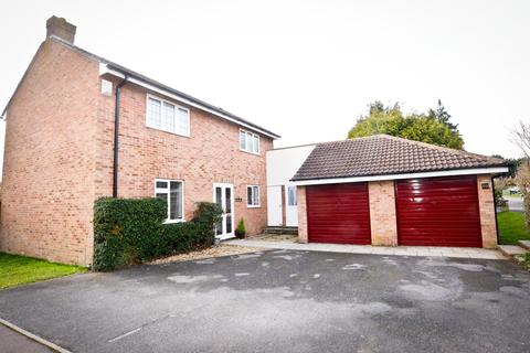 4 bedroom detached house for sale - Court Farm Road, Longwell Green, Bristol, BS30 9AD