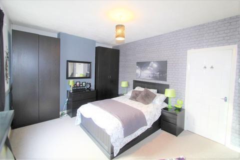 3 bedroom terraced house to rent - Andrew Road , Penarth CF64