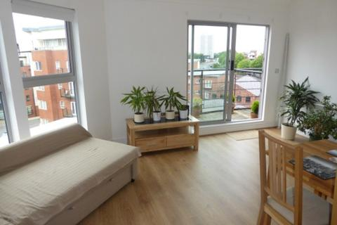 2 bedroom apartment to rent - Qube, Edward Street, Birmingham