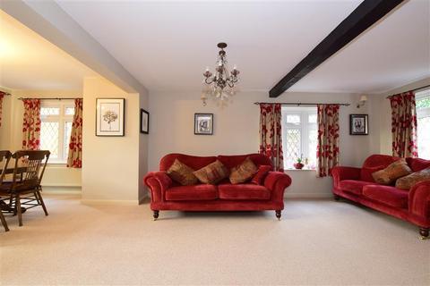 3 bedroom cottage for sale - Hoe Lane, Lambourne End, Romford, Essex