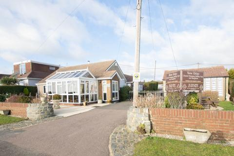 3 bedroom detached house for sale - Old Dover Road, Capel-Le-Ferne, CT18