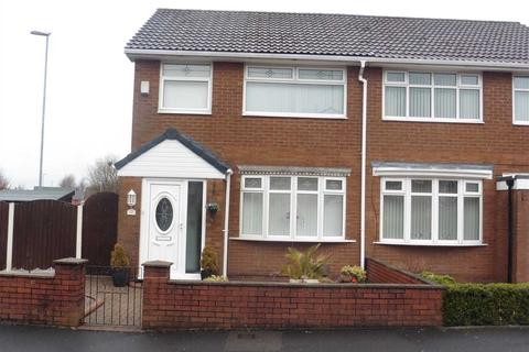 3 bedroom semi-detached house to rent - Swallow Street, Oldham