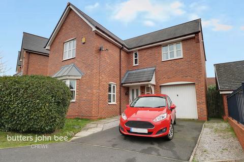 4 bedroom detached house for sale - Petersfield Way, Crewe
