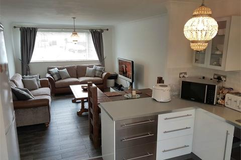 2 bedroom flat for sale - Lowbiggin, Newcastle upon Tyne, Tyne and Wear