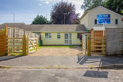 2 bedroom bungalow for sale - The Roundabouts, Liss, Hampshire, GU33