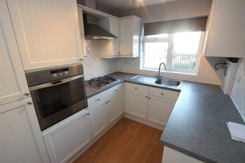 2 bedroom maisonette to rent - Little Heath Road, Reading