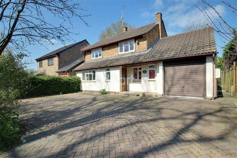 4 bedroom detached house to rent - Folders Lane, Bracknell