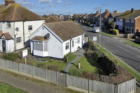 1 bedroom detached bungalow for sale - Albany Drive, Herne Bay, Kent