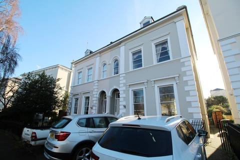 1 bedroom flat to rent - Pittville Crescent, Cheltenham, GL52 2QZ