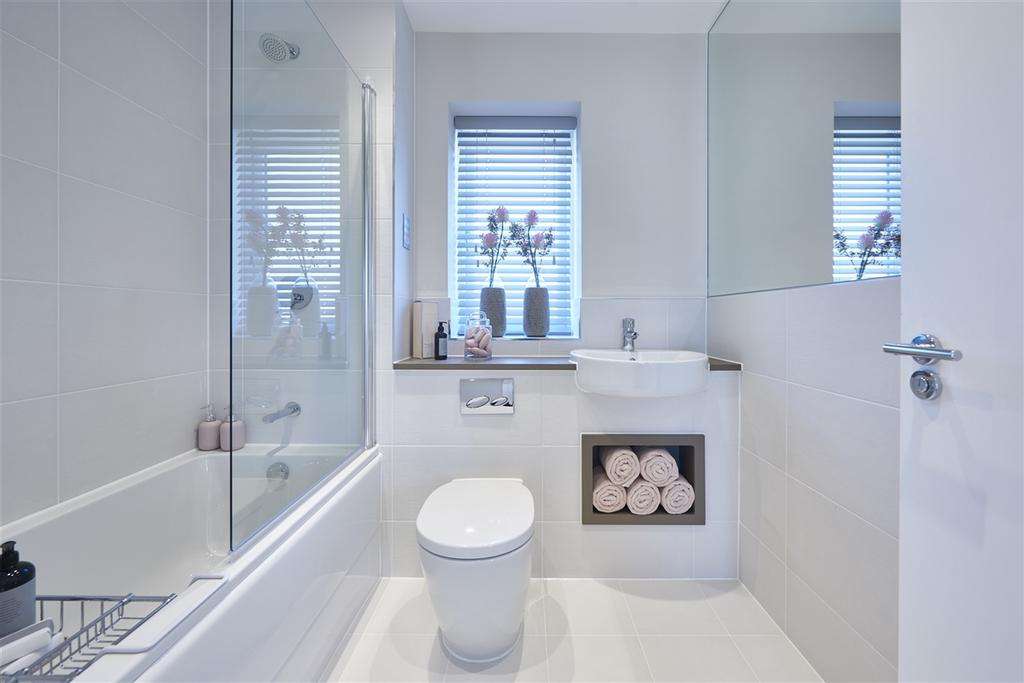 Bathroom & en suite