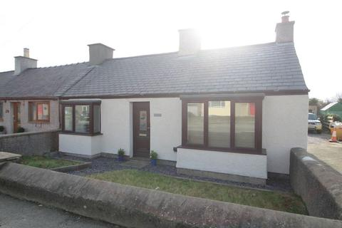 2 bedroom bungalow for sale - Gaerwen, Anglesey