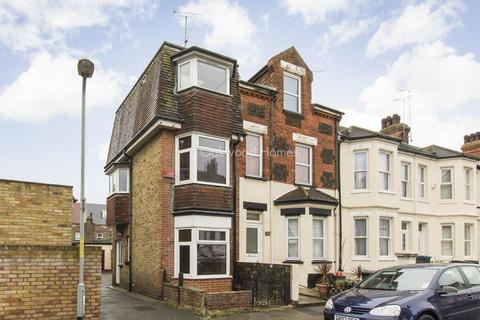 1 bedroom end of terrace house to rent - Margate
