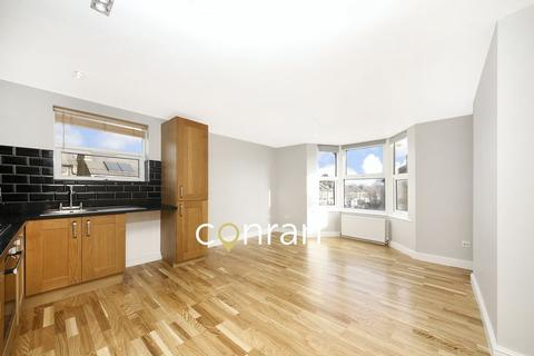 2 bedroom apartment to rent - Swallowfield Road, Charlton