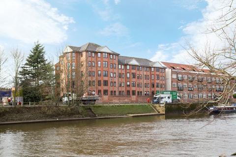 3 bedroom apartment for sale - Dukes Wharf, Terry Avenue, York, YO23