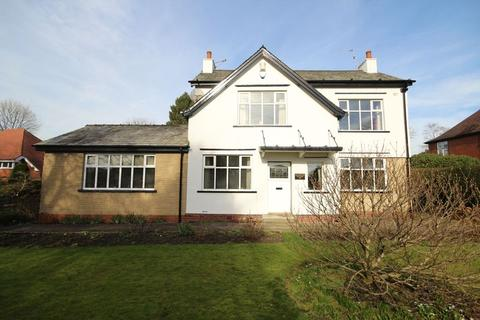 3 bedroom detached house for sale - BURY ROAD, Bamford, Rochdale OL11 4AU