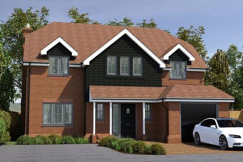 4 bedroom detached house for sale - Brand New Detached Home, Village Location