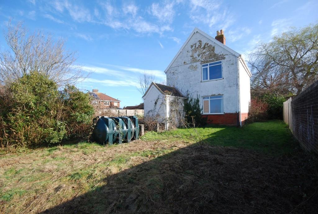 Upper Studley Trowbridge Wiltshire 3 Bed Detached House