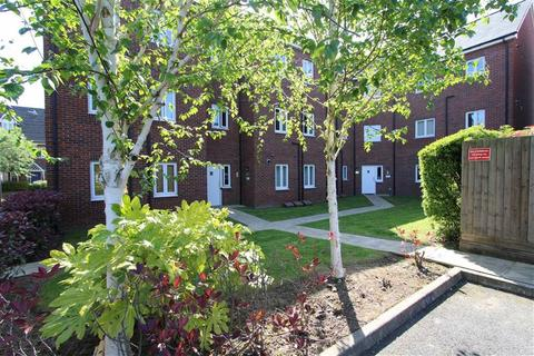 1 bedroom flat for sale - Farcroft Close, Lymm, Cheshire