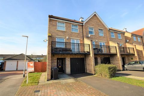 4 bedroom townhouse for sale - Thyme Avenue, Bourne