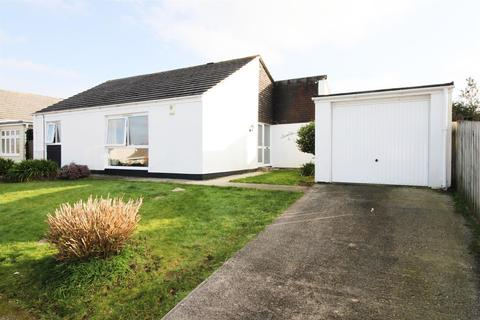 3 bedroom detached bungalow to rent - Church Way, Falmouth