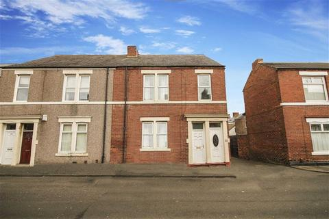 2 bedroom flat for sale - Cleveland Avenue, North Shields, Tyne And Wear