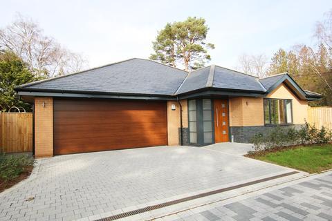 3 bedroom detached bungalow for sale - Poppy Close, St Ives Park, Ringwood, BH24