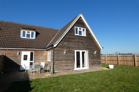 3 bedroom house to rent - Heath Farm, Red Lodge