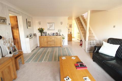 2 bedroom chalet for sale - Church Road, Benfleet