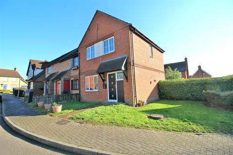 3 bedroom end of terrace house for sale - Pilkingtons, Church Langley