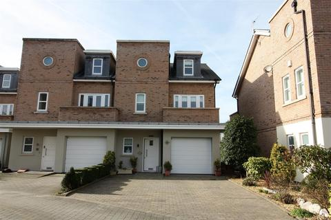 4 bedroom semi-detached house for sale - The Hamptons, Formby, L37