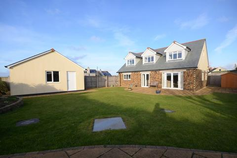 5 bedroom detached house for sale - Goonbell