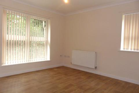 2 bedroom apartment to rent - Somerset Avenue