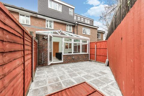 6 bedroom townhouse to rent - Ambassador Square, Docklands, London, E14