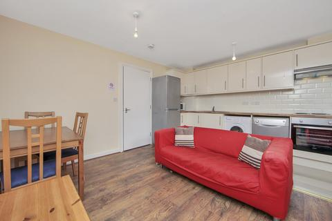 5 bedroom townhouse to rent - Cyclops Mews, Docklands, London, E14