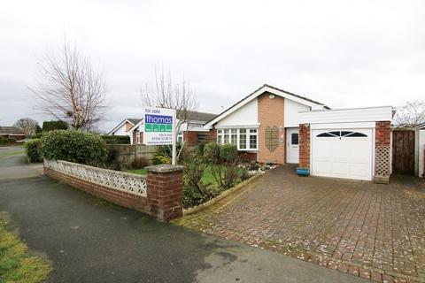 3 bedroom detached bungalow for sale - The Ridings, Saughall, Chester, CH1