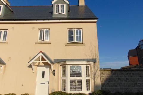 4 bedroom semi-detached house for sale - Y Corsydd, Llanelli