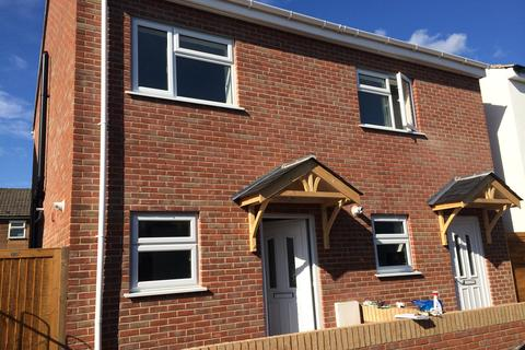 2 bedroom detached house to rent - Hartington Road,