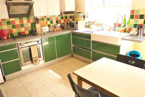 4 bedroom terraced house to rent - St Mary Magdalene Street, Brighton BN2