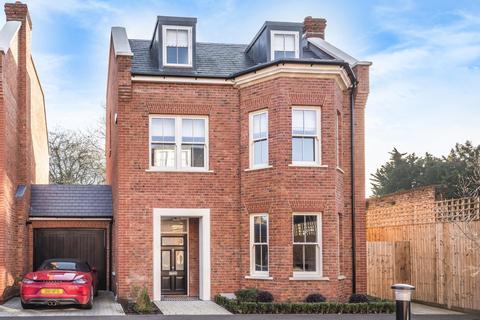 5 bedroom detached house for sale - Avery Close, Beckenham
