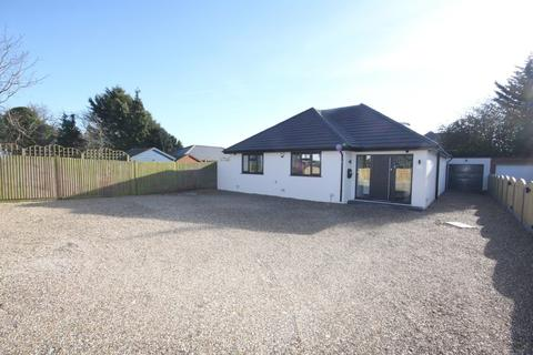 5 bedroom detached bungalow for sale - Leesons Hill, Chislehurst