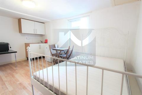 Studio to rent - Muswell Hill Broadway, Muswell Hill, N10