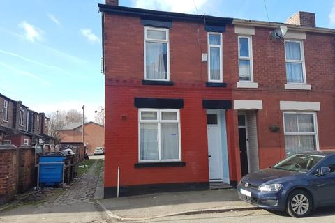 2 bedroom terraced house to rent -  Fleeson Street,  Manchester, M14