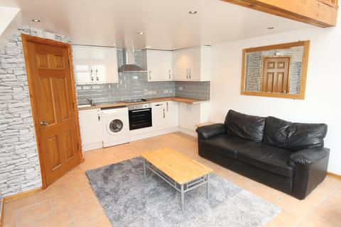 1 bedroom house to rent - Whitchurch Road, Heath,