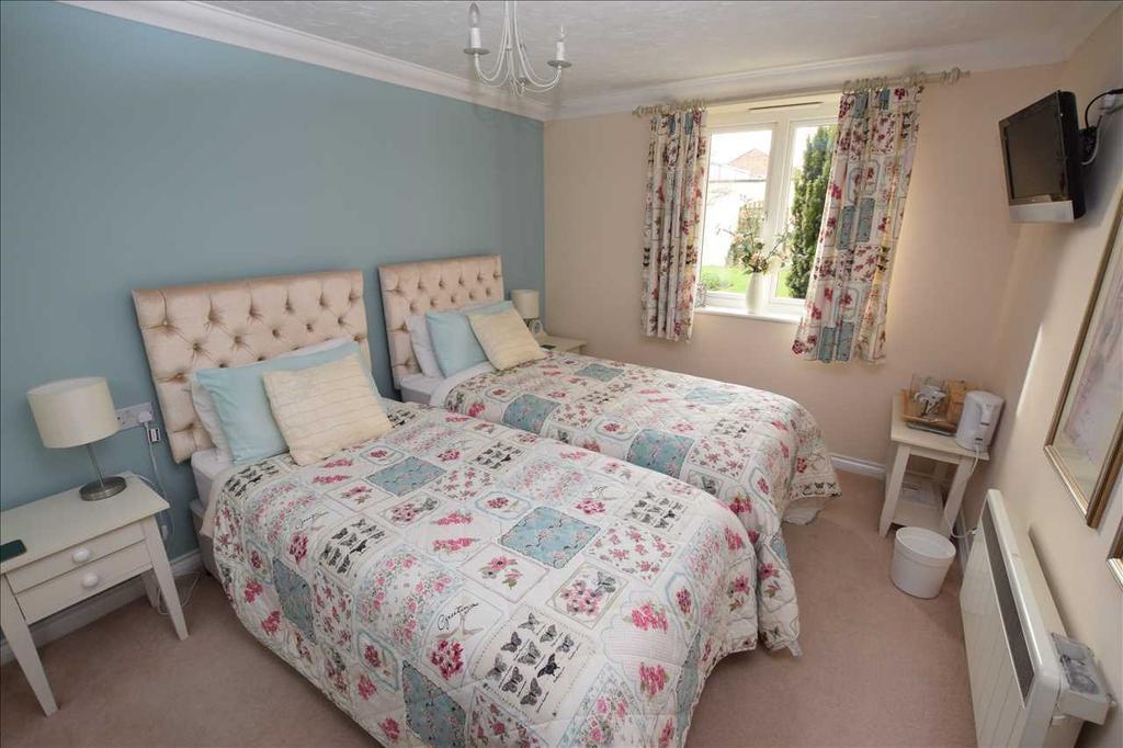 Guiest suite bedroom