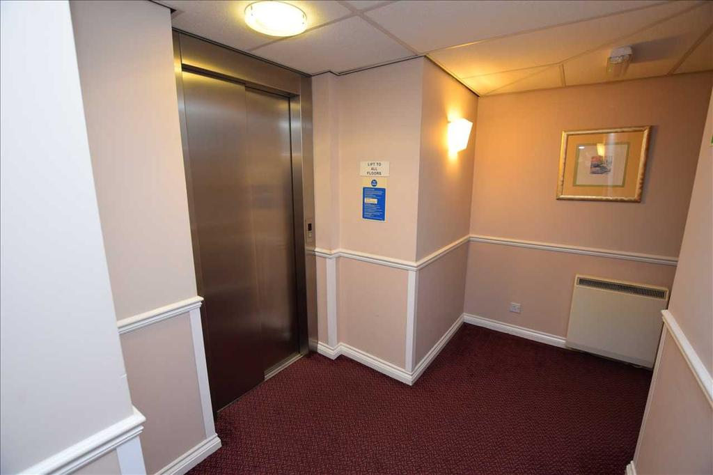 Communal lift