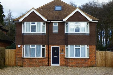 5 bedroom detached house to rent - Spurlands End Road, Great Kingshill