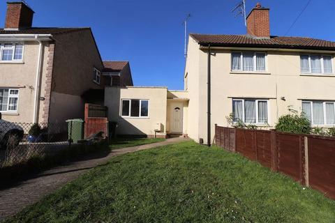 2 bedroom semi-detached bungalow to rent - Hesters Way Road, Cheltenham