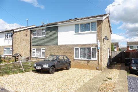 3 bedroom semi-detached house to rent - Benedict Close, Rushden, Northants